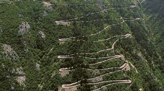 Trendy Incentive Destination - Adventurous Serpentine Roads