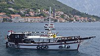 Charter Boats - Traditional Boat Pajo